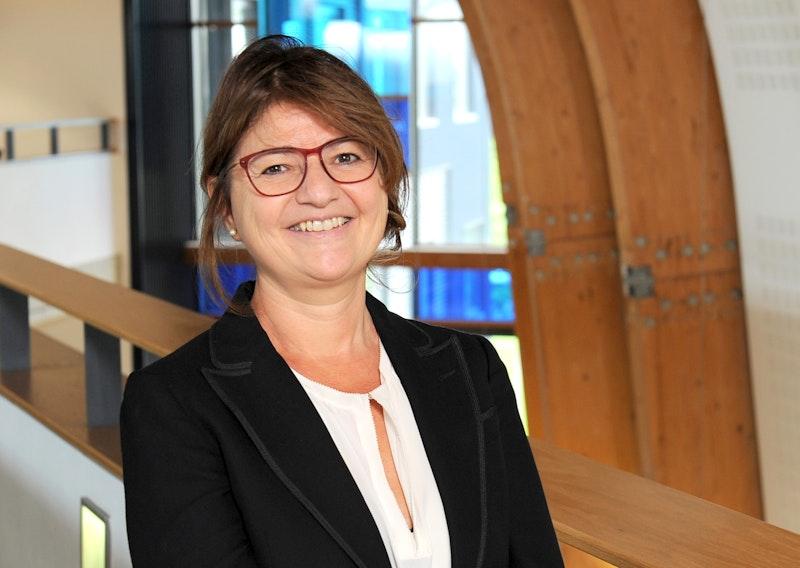 Dr Claudia Murray