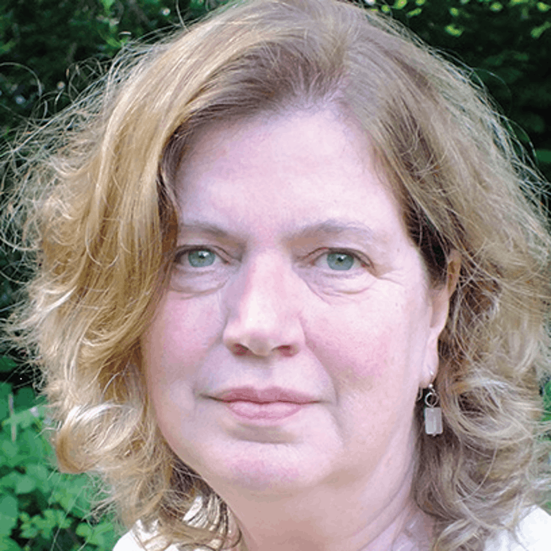Dr Karen Izod