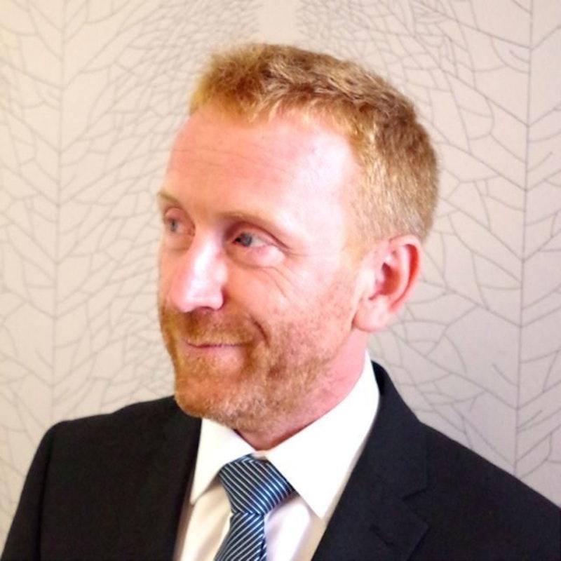 Dr Mike Molesworth