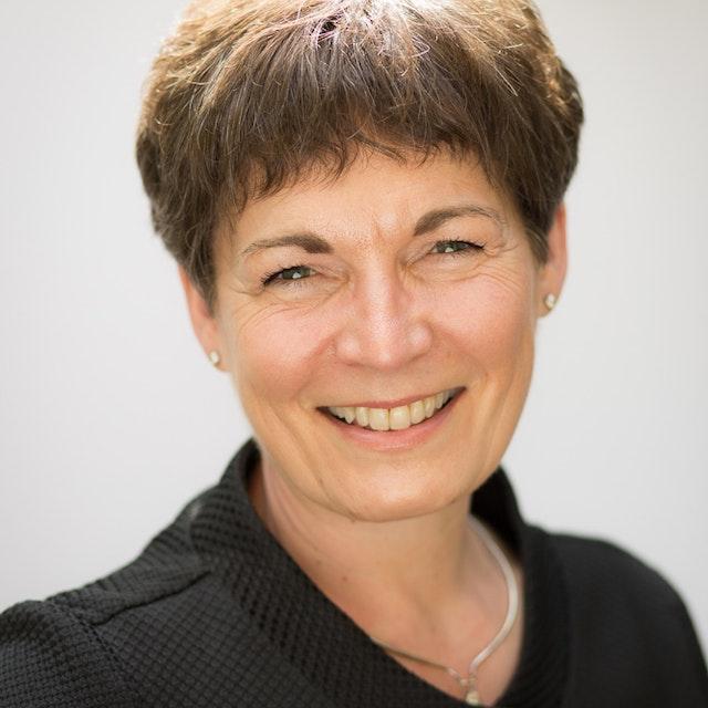 Suzanne Lines CV Photo